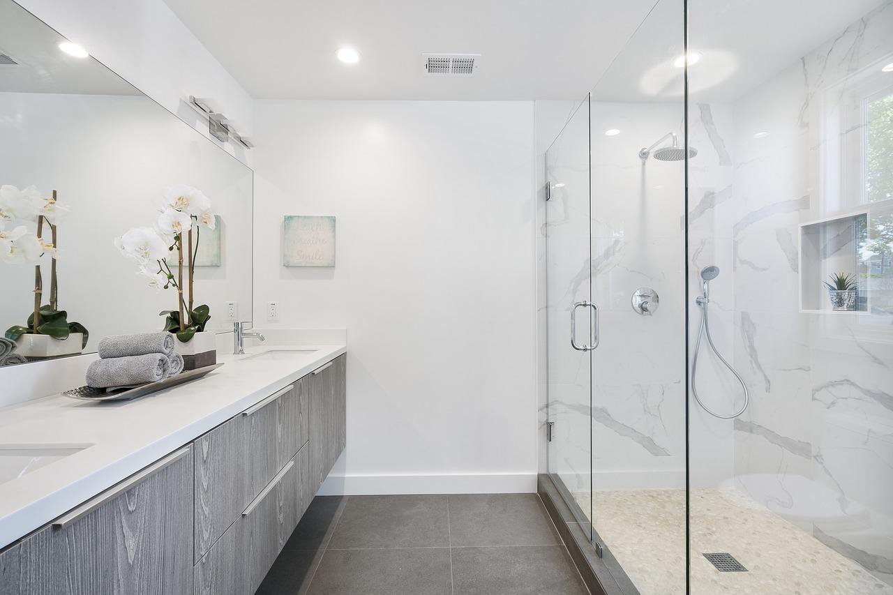 Quel artisan contacter pour rénover une salle de bains ?